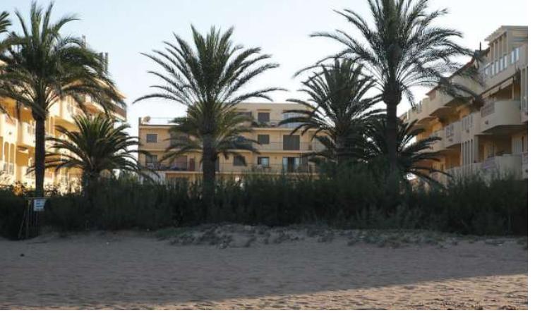 Se vende apartamento junto al mar