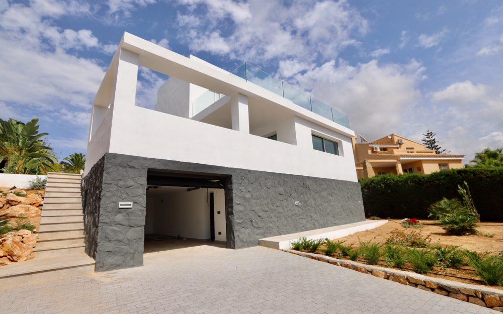 Se vende villa moderna en Calpe