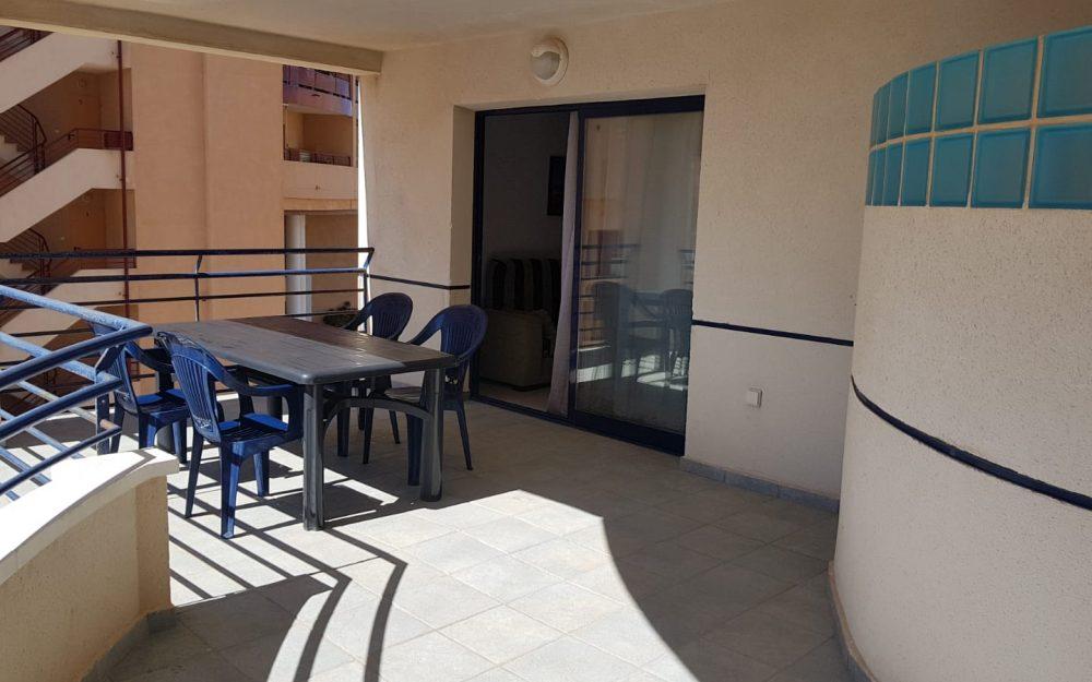 Se alquila apartamento con piscina en Calpe