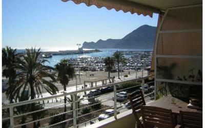 Se vende tercer piso en primera linea de playa de Altea