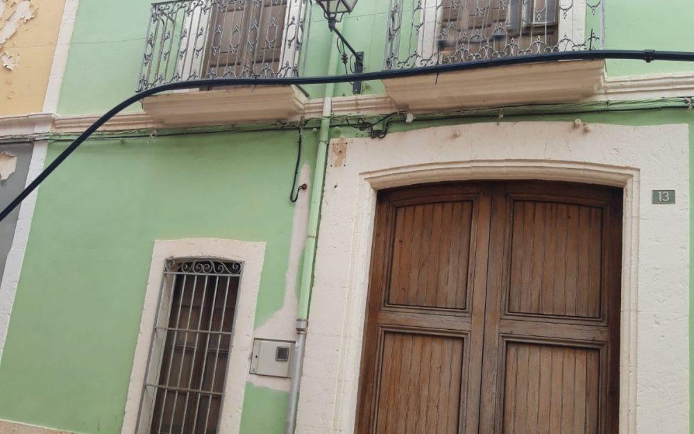 Se vende casa de pueblo a reformar en Gata de Gorgos