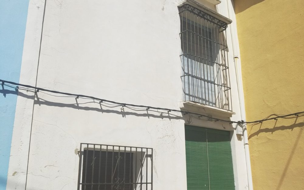 Se vende edificio en La Vall de La Guard