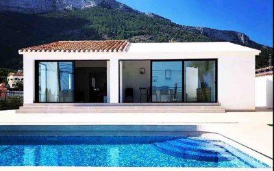 Se alquila villa de diseño moderno, con piscina privada en Dénia