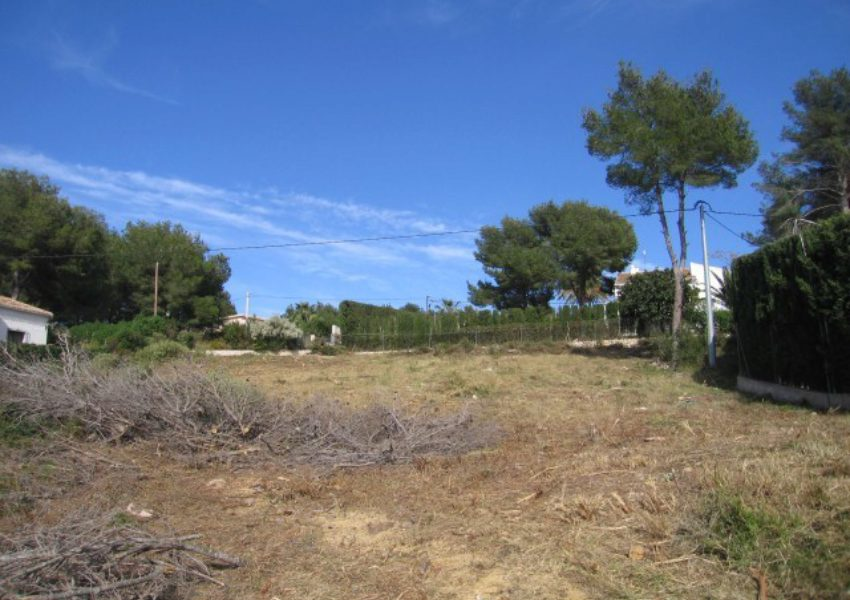 Se vende terreno a 3 km del arenal de Jávea