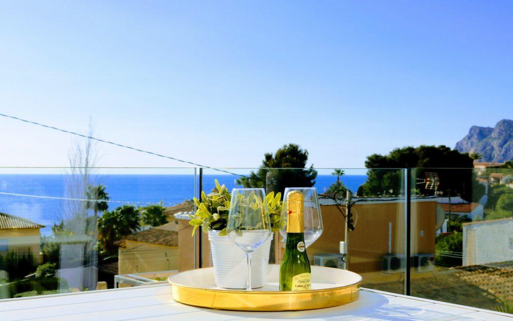 Se vende chalet modero con vistas al mar en Calpe